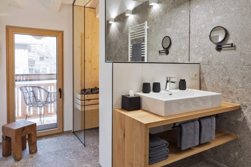 Bathroom with sauna in the apartement